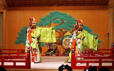 国際学会での舞楽演奏(青海波)