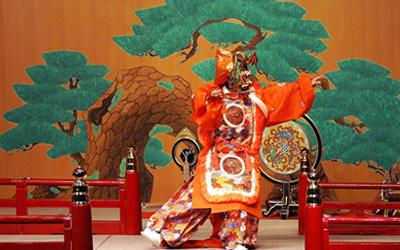 国際学会での舞楽演奏(蘭陵王)